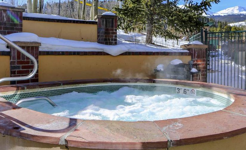 Hot Tub Etiquette and Common Sense